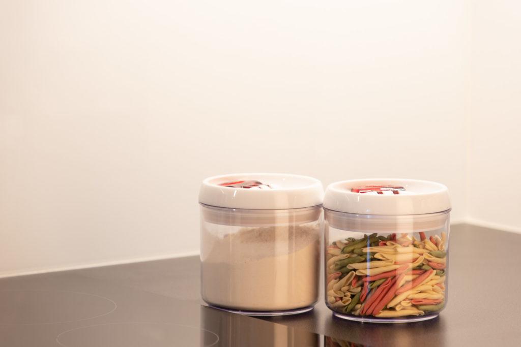 Przechowywanie w kuchni, pojemniki, słoiki, kuchnia.